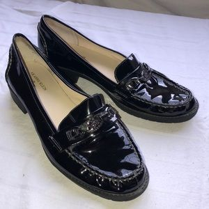 Anne Klein Black patent leather flat shoes